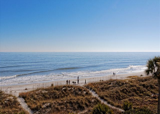 Roadrunner 5, Oceanfront, 7 Bedrooms, Private Pool, Sleeps 20 - Life by the beach - HiltonHeadRentals.com