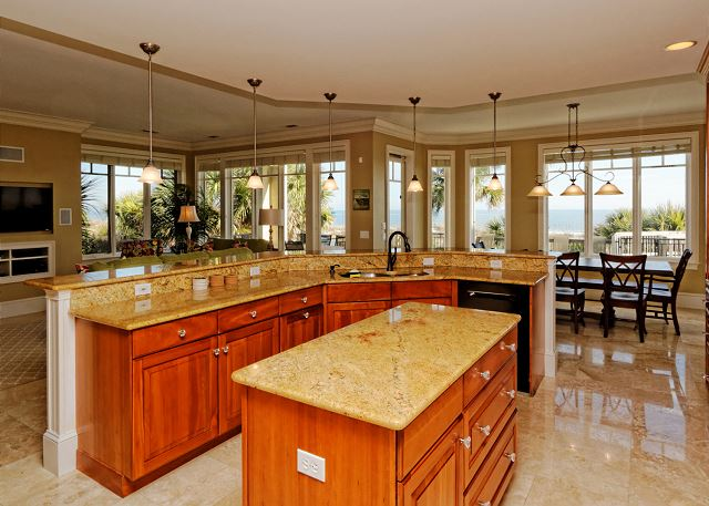 Roadrunner 5, Oceanfront, 7 Bedrooms, Private Pool, Sleeps 20 - What's Cooking? Anything You Want! - HiltonHeadRentals.com