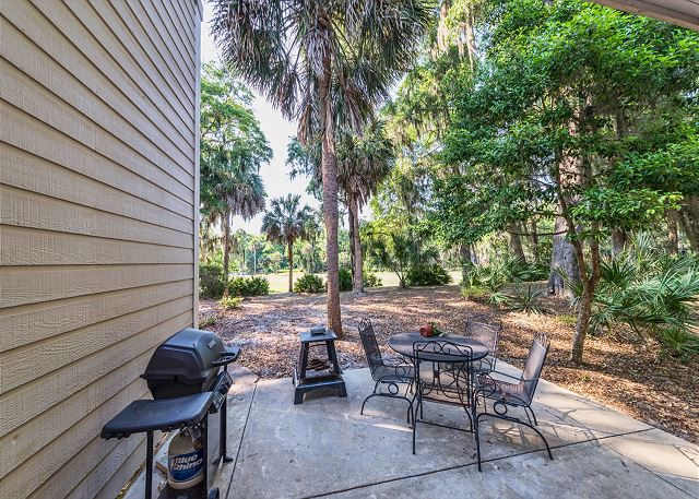 Shipmaster 306, 2 Bedrooms, Golf View, Tennis, Pool, Sleeps 6 - Are you a Grill Master? - HiltonHeadRentals.com