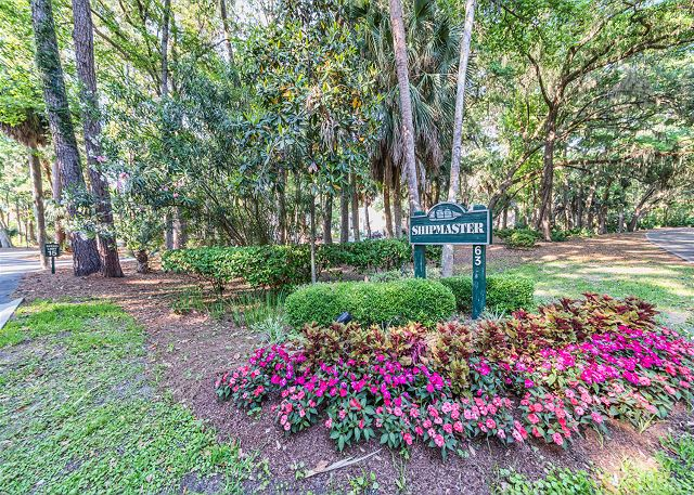 Shipmaster 306, 2 Bedrooms, Golf View, Tennis, Pool, Sleeps 6 - You have arrived! - HiltonHeadRentals.com