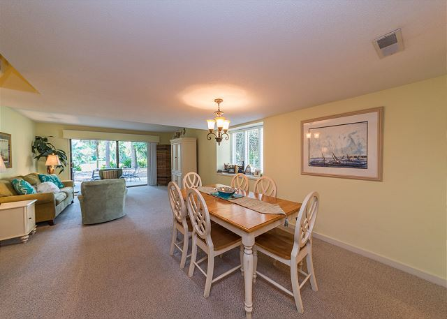 Shipmaster 306, 2 Bedrooms, Golf View, Tennis, Pool, Sleeps 6 - Plenty of Room  - HiltonHeadRentals.com