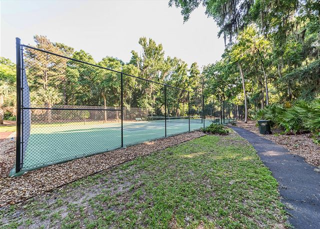 Shipmaster 306, 2 Bedrooms, Golf View, Tennis, Pool, Sleeps 6 - Make sure to keep up the tennis practice!  - HiltonHeadRentals.com