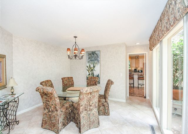 Turnberry Lane 30, 4 Bedrooms, Private Pool, Spa, Sleeps 12 - Dining Room - HiltonHeadRentals.com