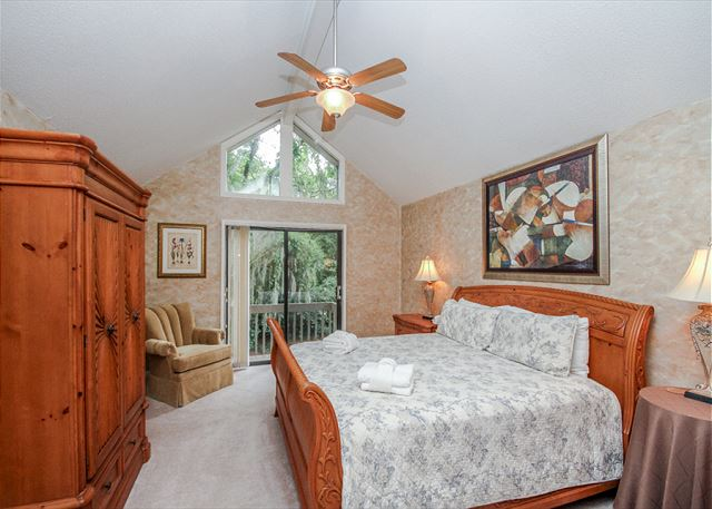 Turnberry Lane 30, 4 Bedrooms, Private Pool, Spa, Sleeps 12 - Master Bedroom - HiltonHeadRentals.com