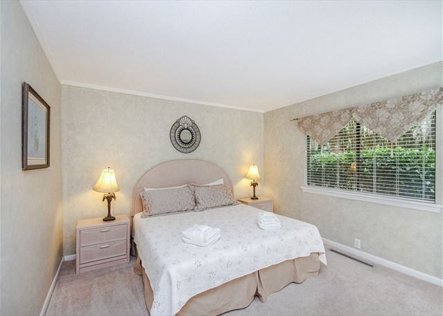 Turnberry Lane 30, 4 Bedrooms, Private Pool, Spa, Sleeps 12 - Second Bedroom - HiltonHeadRentals.com
