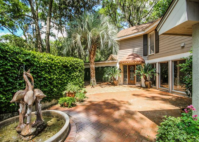 Turnberry Lane 30, 4 Bedrooms, Private Pool, Spa, Sleeps 12 - Simply Beautiful! - HiltonHeadRentals.com
