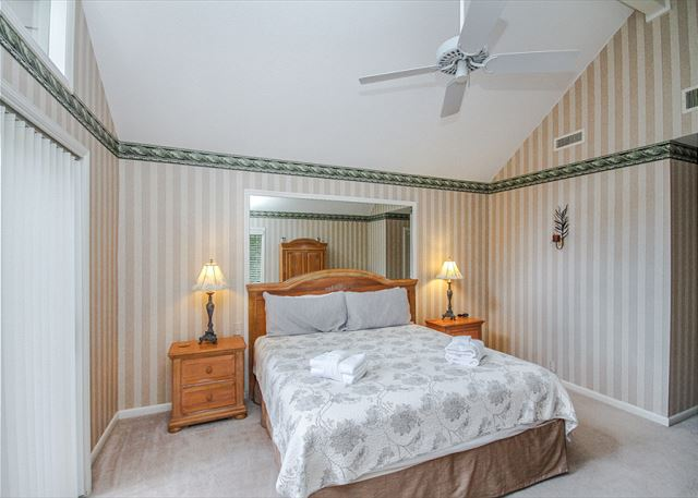 Turnberry Lane 30, 4 Bedrooms, Private Pool, Spa, Sleeps 12 - Third Bedroom - HiltonHeadRentals.com