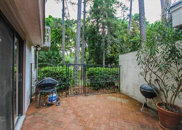 Turnberry Lane 30, 4 Bedrooms, Private Pool, Spa, Sleeps 12 - Outdoor Patio - HiltonHeadRentals.com