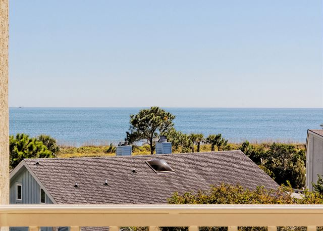 Urchin Manor 3, 6 Bedrooms, Oceanview, Pool, Elevator, Sleeps 18 - Awesome view of the horizon - HiltonHeadRentals.com