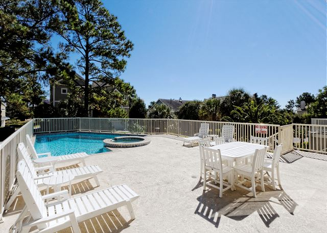 Urchin Manor 3, 6 Bedrooms, Oceanview, Pool, Elevator, Sleeps 18 - Private pool just for you - HiltonHeadRentals.com