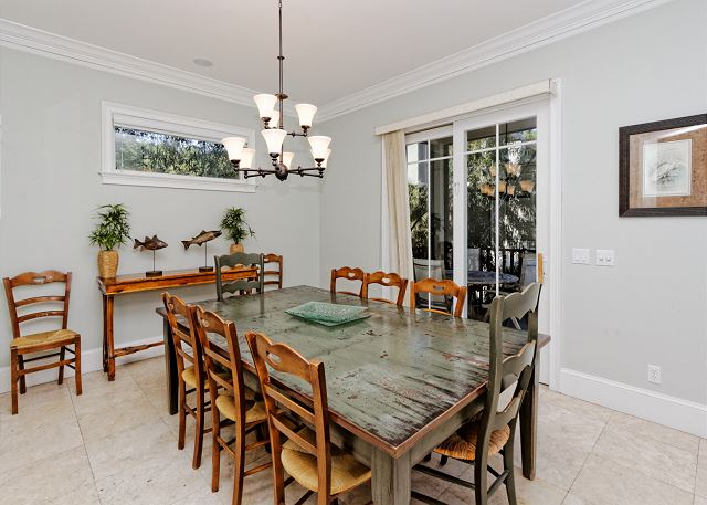 Large dining room access