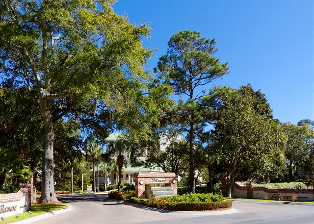Villamare 1204, 2 Bedrooms, Ocean View,  Outdoor & Indoor Pool - Beautiful driveway - HiltonHeadRentals.com