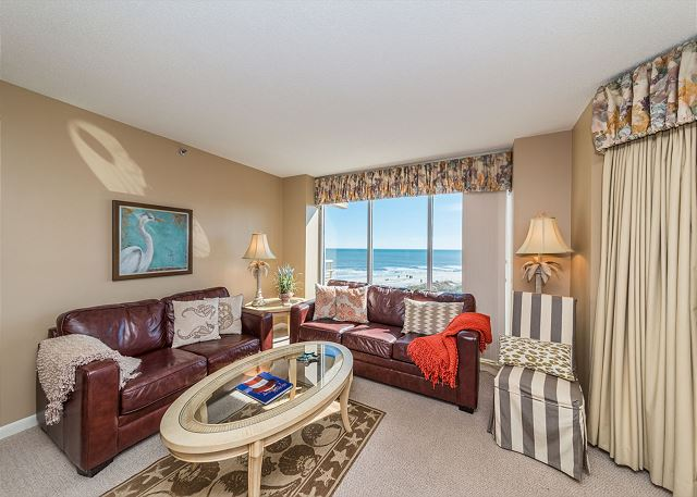 Villamare 3531, 2 Bedrooms, Oceanfront, Outdoor & Indoor Pool - Come in and have a seat! There's room for all - HiltonHeadRentals.com