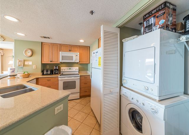 Villamare 3531, 2 Bedrooms, Oceanfront, Outdoor & Indoor Pool - Cook up a storm in the fully equipped kitchen - HiltonHeadRentals.com