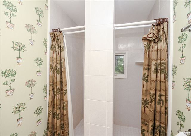 Double Sized Shower