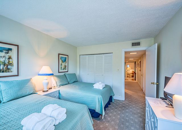 Xanadu 12-B, 3 Bedroom, Pool, Tennis, Walk to Beach, Sleep 8 - Additional bedrooms - - HiltonHeadRentals.com