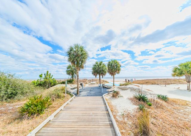 Xanadu 15-A, 2 Bedroom, Large Pool, Walk to Beach, Sleeps 8 - Bright Blue Skies - HiltonHeadRentals.com