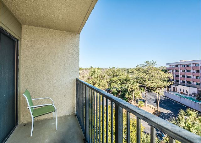 Xanadu 20-A, 3 Bedroom, Pool, Tennis, Walk to Beach, Sleeps 8 - Balcony - HiltonHeadRentals.com