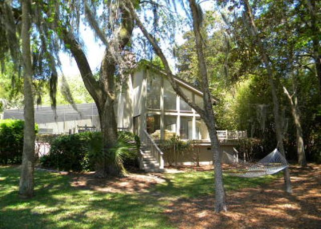 Planters Wood 24, 5 Bedroom, Private Heated Pool, Golf View - Backyard - HiltonHeadRentals.com