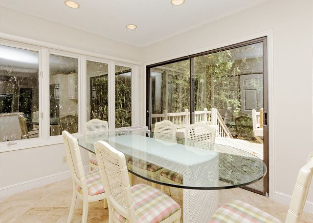 Planters Wood 24, 5 Bedroom, Private Heated Pool, Golf View - Dining Area - HiltonHeadRentals.com