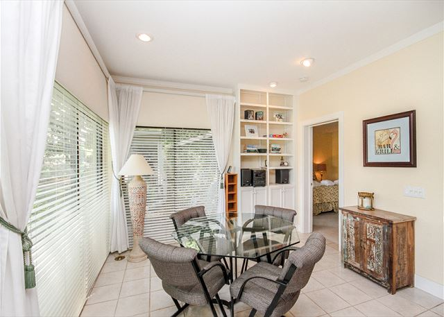 Woodbine Place 44, 2 Bedroom, Golf View, Walk to Beach, Sleeps 8 - Bacon and Eggs, Please! - HiltonHeadRentals.com