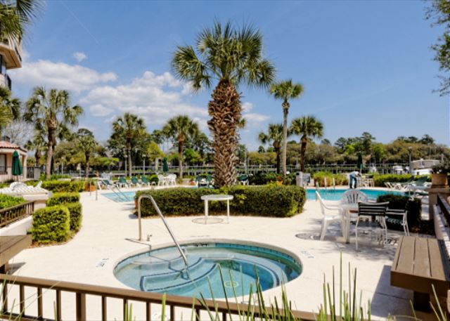 Yacht Club 7515, 3 Bedrooms, Large Pool, Spa, Sleeps 8 - Amazing view - HiltonHeadRentals.com