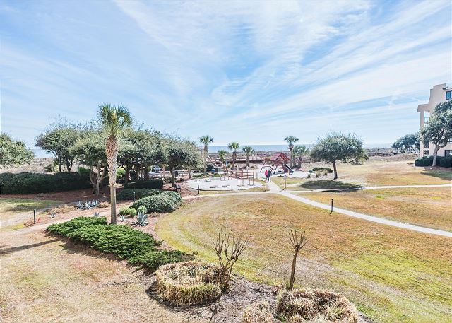 Island Club 3202, 2 Bedroom Oceanfront View, Pool, Walk to Beach - You'll find beauty wherever you go! - HiltonHeadRentals.com