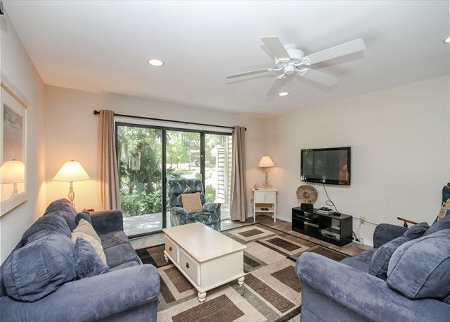 Greens 190, 3 Bedrooms, Large Pool, Walk to Beach, Sleeps 10 -  - HiltonHeadRentals.com