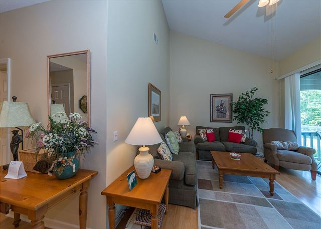 Lake Forest Villa 3368, 2 Bedroom, Lagoon View, Pool, Tennis - Entry way - HiltonHeadRentals.com