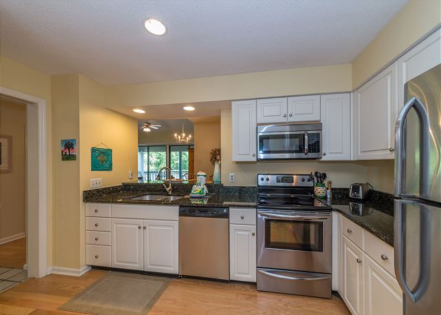 Lake Forest Villa 3368, 2 Bedroom, Lagoon View, Pool, Tennis - Kitchen - HiltonHeadRentals.com