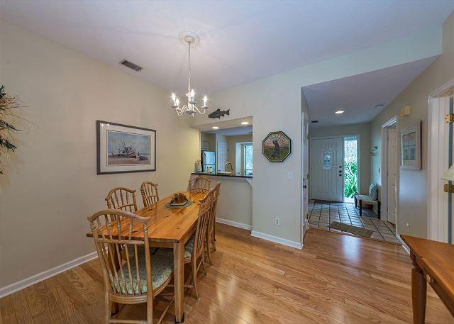 Lake Forest Villa 3368, 2 Bedroom, Lagoon View, Pool, Tennis - Dining room - HiltonHeadRentals.com