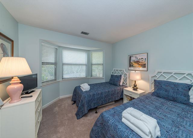 Lake Forest Villa 3368, 2 Bedroom, Lagoon View, Pool, Tennis - Guest Bedroom - HiltonHeadRentals.com