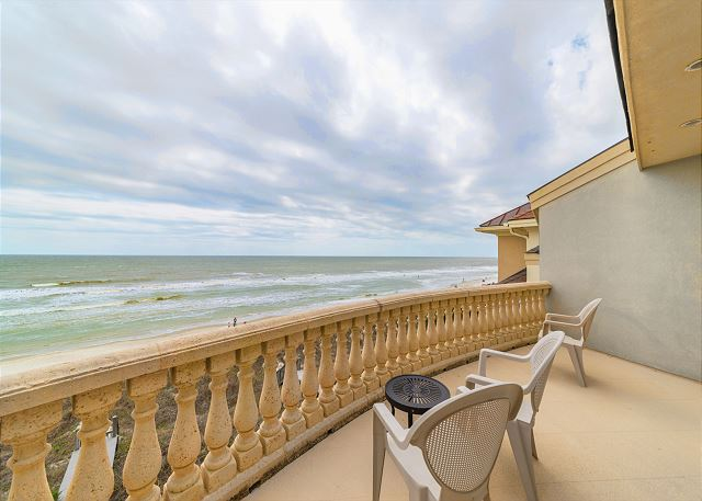 Singleton Beach 11A, Oceanfront 2 Bedrooms, Elevator, Pool - Balcony View - HiltonHeadRentals.com