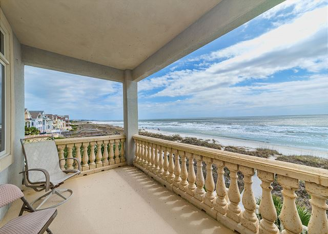 Singleton Beach 11A, Oceanfront 2 Bedrooms, Elevator, Pool - Breathtaking Balcony View  - HiltonHeadRentals.com