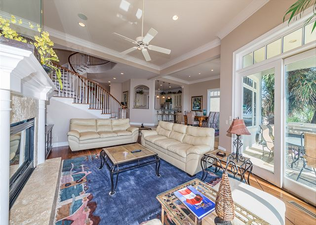 Singleton Beach 11A, Oceanfront 2 Bedrooms, Elevator, Pool - A Picture Perfect Home - HiltonHeadRentals.com