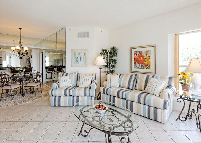 Barrington Arms 503, 1 Bedroom, Ocean View, Pool & Spa, Sleeps 4 - Plenty of Seating - HiltonHeadRentals.com