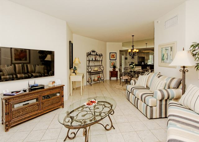 Barrington Arms 503, 1 Bedroom, Ocean View, Pool & Spa, Sleeps 4 - TV Time - HiltonHeadRentals.com