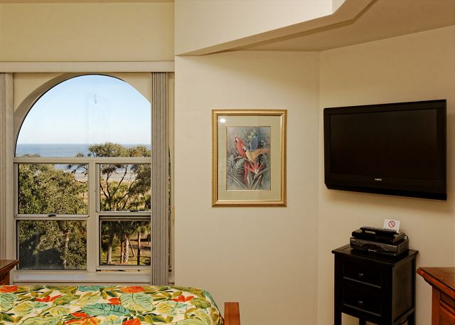Barrington Arms 503, 1 Bedroom, Ocean View, Pool & Spa, Sleeps 4 - Late Night TV - HiltonHeadRentals.com