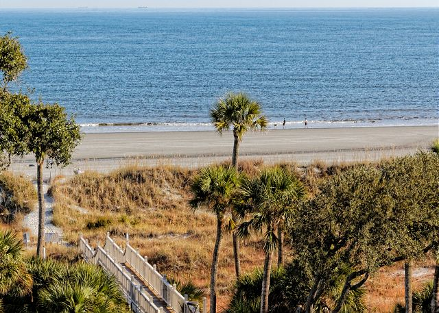 Barrington Arms 503, 1 Bedroom, Ocean View, Pool & Spa, Sleeps 4 - Beach View - HiltonHeadRentals.com