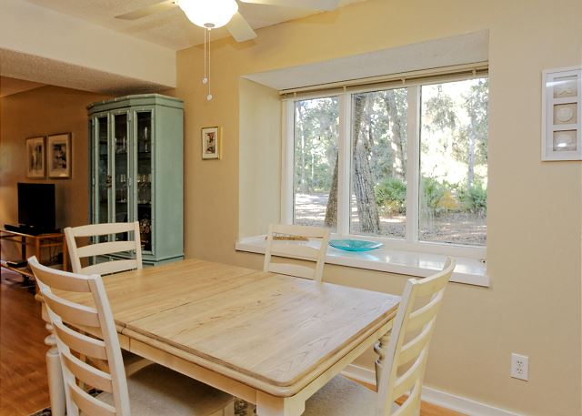 SailMaster 37, 2 Bedrooms, Pool, Patio, Sleeps 6 - Deal me in! - HiltonHeadRentals.com