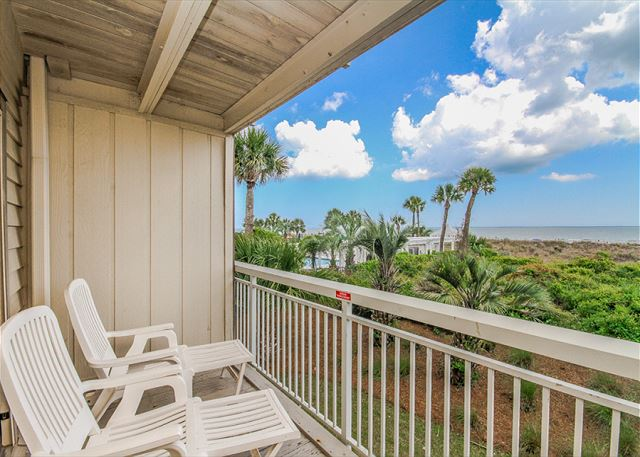 Breakers 139, Beach Front, 1 Bedroom, Oceanfront Pool, Sleeps 4 Picture