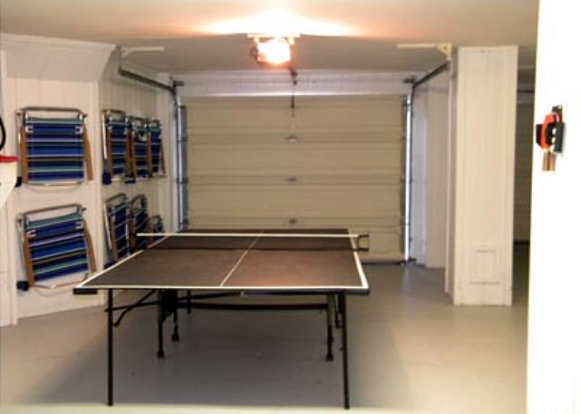 Singleton Beach 11B, Oceanfront 3 Bedrooms, Pool, Elevator - Play table tennis - HiltonHeadRentals.com