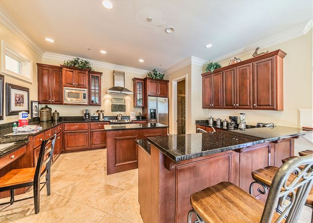 This kitchen has counter space!