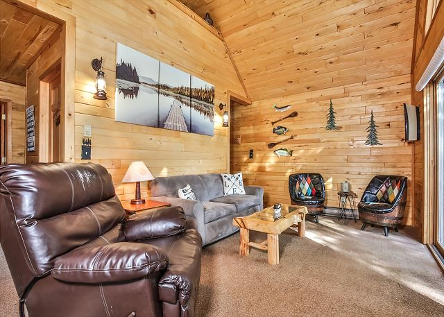 6 Acre Chalet - Hiller Vacation Homes