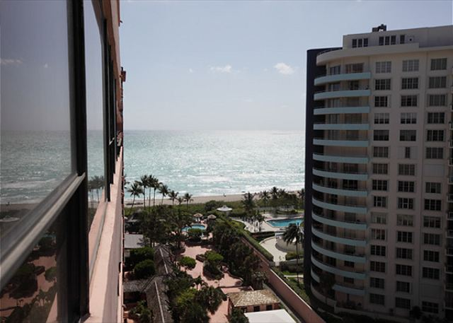 1421 Corner Deluxe Suite on Beach - MIAMI BEACH, Florida