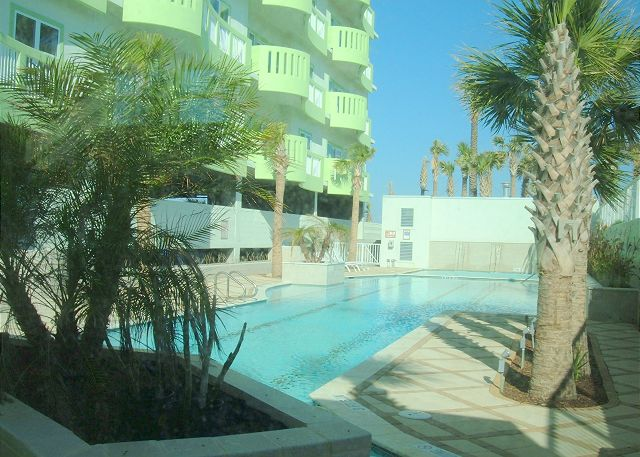 Beachfront, Wi-Fi, Penthouse Unit - Galveston, Texas