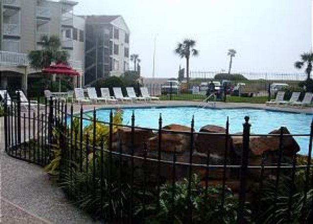 Beachfront, Walking distance to shops, restaurants, fishing! - Galveston, Texas