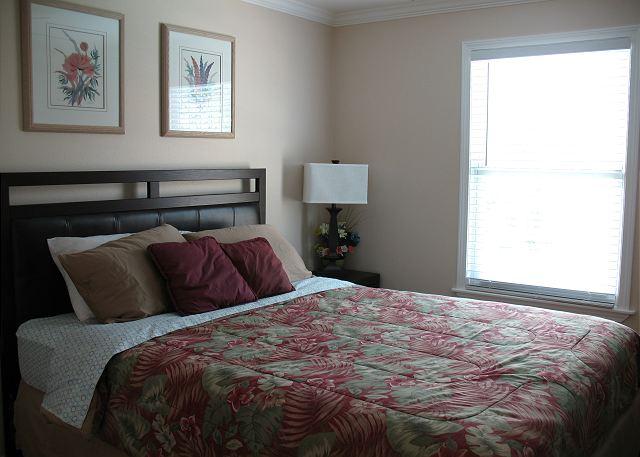 Clean- Sleeps 6- Minutes to Beach, Shops, Restaurants & FUN - Galveston, Texas