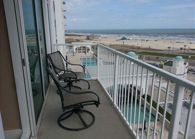 5 Star Condo & Amenities  w/ Beachview, Sleeps 8 - Galveston, Texas