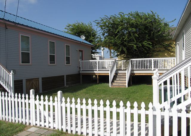 Sleeps 4, Walk/ Bike to the Beach, Direct TV - Galveston, Texas